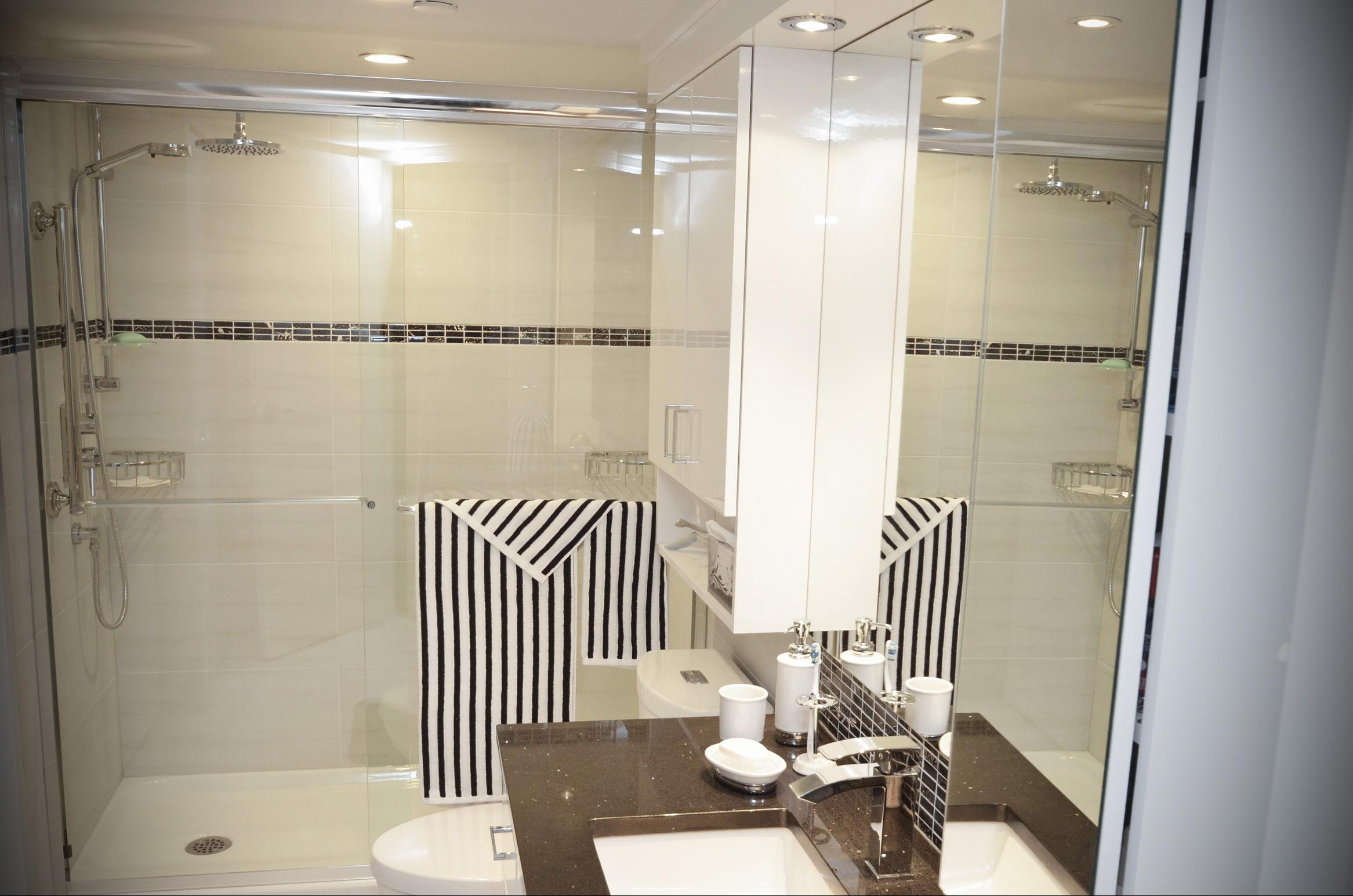 R novation d 39 une salle de bain 16 salle de bain summum for Renovation salle de bain laval