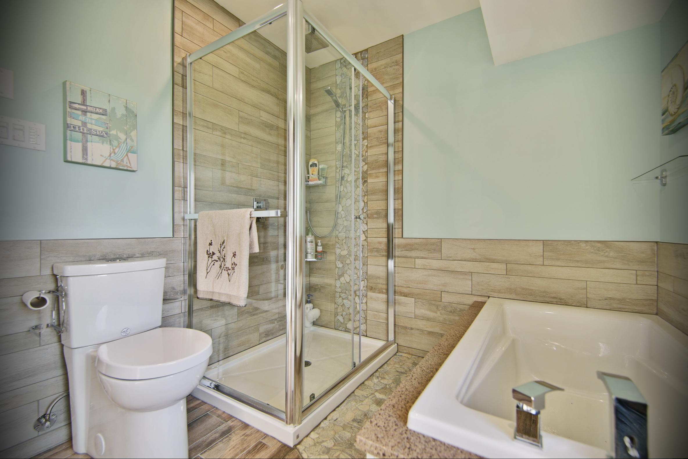 r novation d 39 une salle de bain laval 5 salle de bain. Black Bedroom Furniture Sets. Home Design Ideas