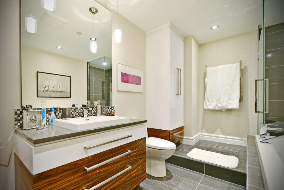 R novation d 39 une salle de bain laval 2 salle de bain for Salle de bains in english