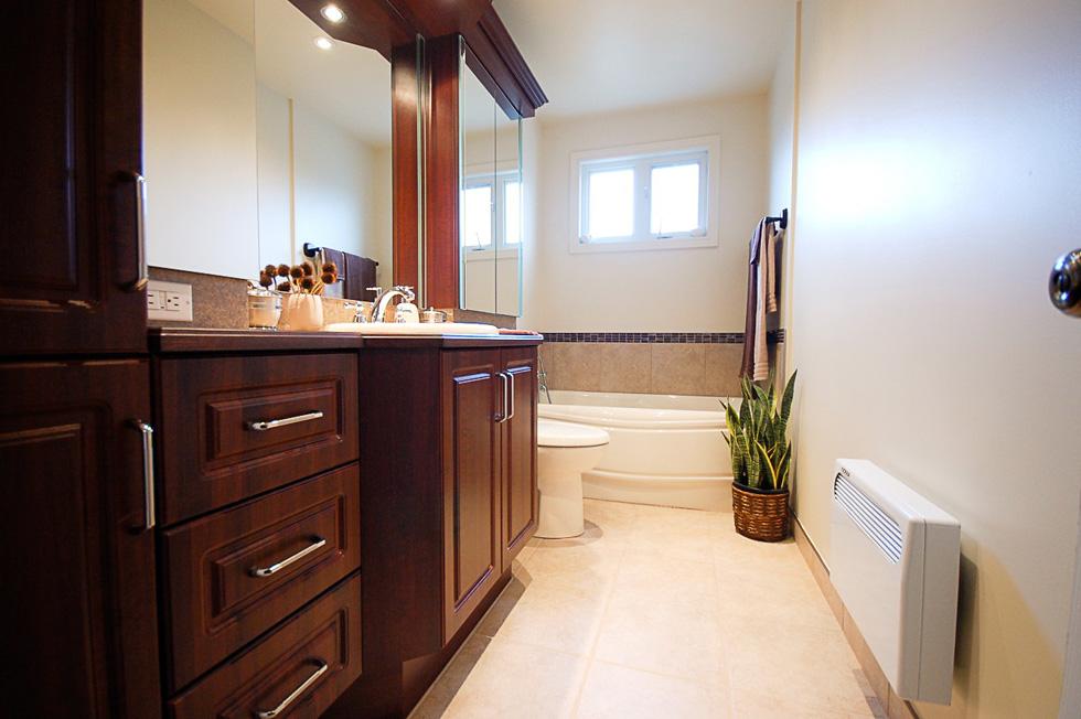 R novation de salle de bain pont viau laval 27 salle for Renovation salle de bain laval